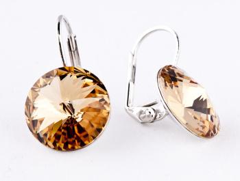 výraznější náušnice s kameny ve zlato-hnědé barvě