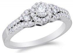 Diamantový zásnubní prsten z bílého zlata, cena: 27 790 Kč