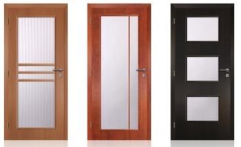 prosklené interiérové dveře vnesou do bytu více světla